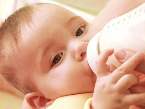 штучне годування новонародженого